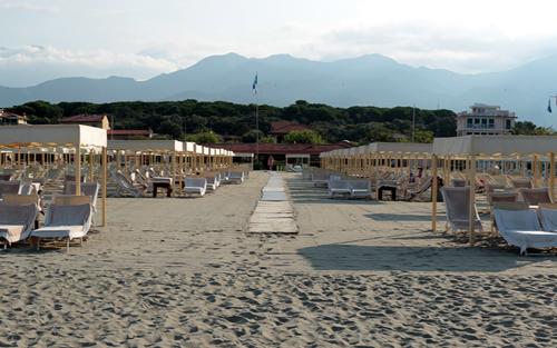 Stabilimenti balneari marina di pietrasanta prezzi - Bagno roma marina di pietrasanta ...