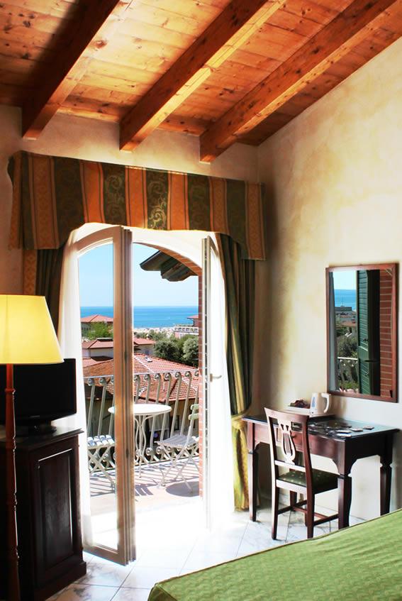 Hotel la pigna marina di pietrasanta versilia tre stelle - Bagno king marina di pietrasanta ...